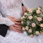 Легкость и нежность подвенечного свадебного платья с кружевами