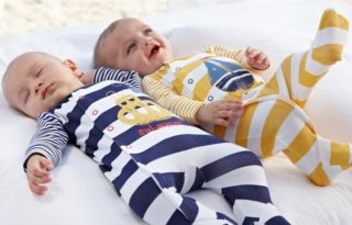 одежда для новорожденных Carters